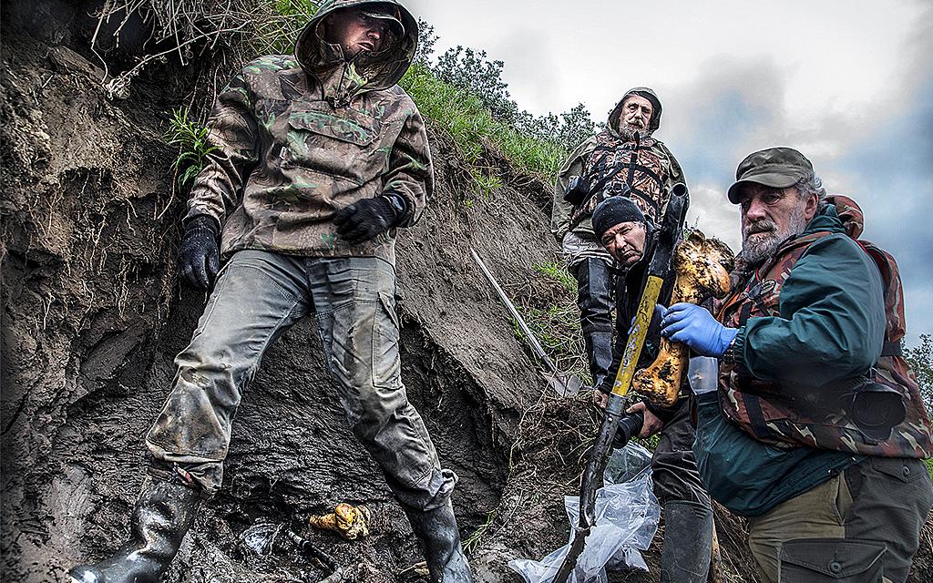 Forskargrupp gräver i lera